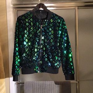 Sequin jacket w banded wrists and front zip